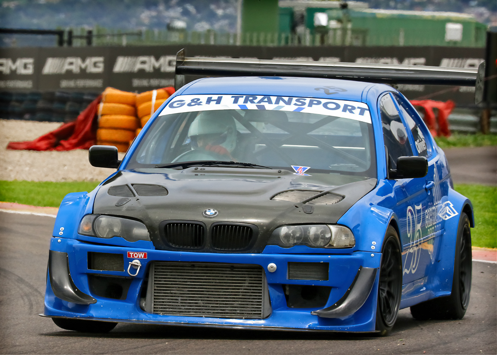 Dawie Olivier in his Baby Beemer competing in the G & H Transport Extreme Supercars